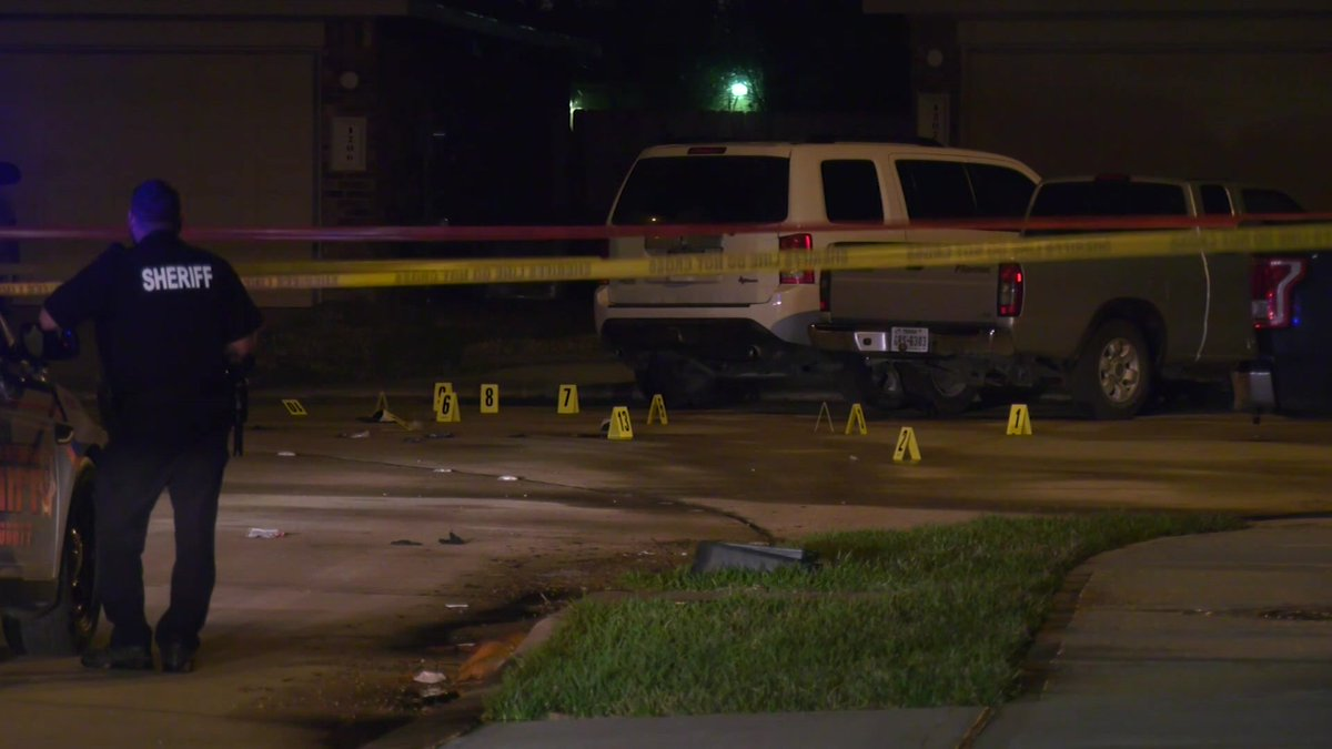 Harris County deputies are still searching for shooting suspects after a teen was killed in northeast Harris County Wednesday morning, Sheriff Ed Gonzalez said.  #channelview #kprc2 #click2houston #hounews