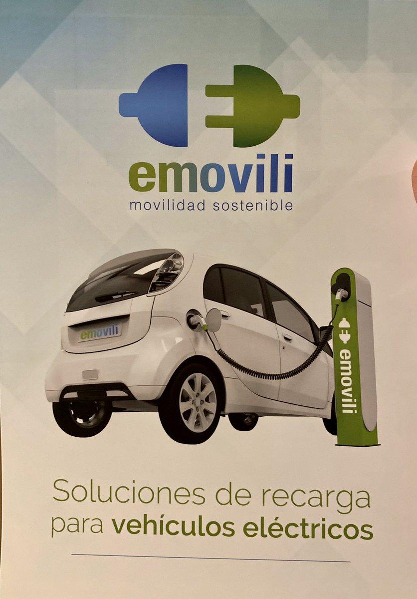 Asistimos al evento #smartmobility organizado por @emovili_spain con colaboración de @wallboxchargers y @AEDIVE @Arturopdeluciapic.twitter.com/EEWDj9jJLw – at Club de Golf La Moraleja