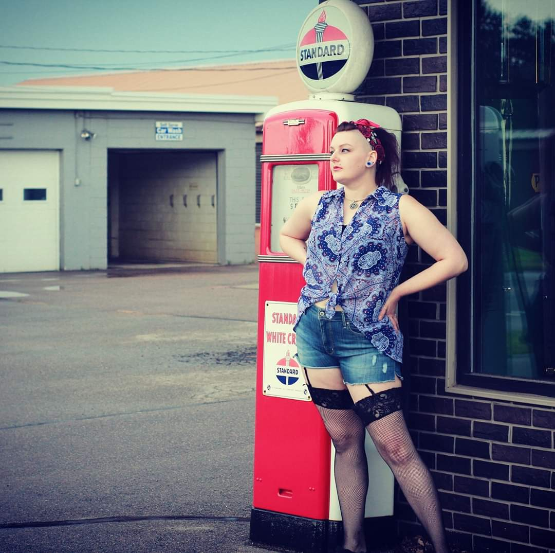 Hello Twitter!  #WednesdayVibes #NEW #alternativegirl #rockabilly #photoshoot