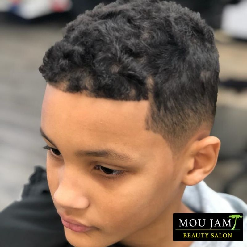 . . . . #moujam #moujambeauty #instaglam #glam #barber #vancity #barberlife #besthaircut #menshair #barbershop #haircut #mensfashion #fade #hair #barbers #barbering #barberlove #mensstyle #thebarberpost #barbergang #beard #menshaircut #style #menstyle