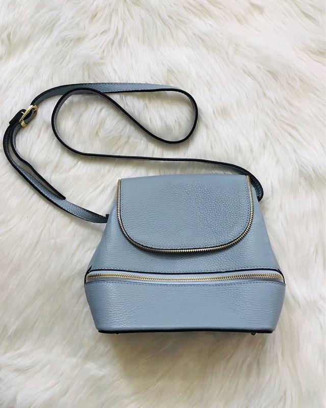 Borse in Pelle Pale Blue Leather Purse - $79  #renewablefashion #responsiblefashion #fashionaccessories #handbag #handbags #highendconsignment #upcycle #upscaleconsignment #torontoconsignment #torontofashion #torontostyle #twiceisnice #consignment #consignmentboutiquepic.twitter.com/BYyNyfbzVS