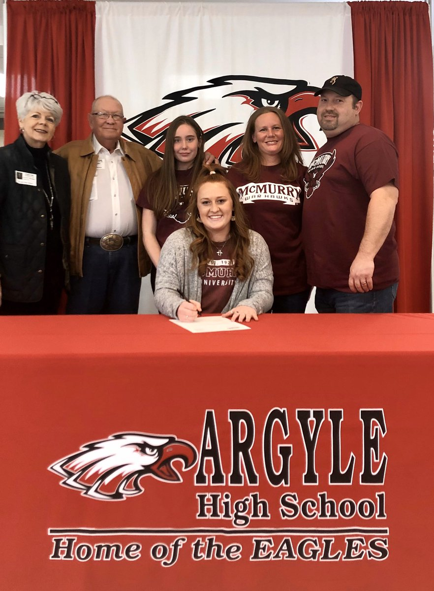 Another incredible signing for our NTX Celtic FC '02g McCallum goal keeper Cortlynn Boone! Cortlynn signed her National Letter of Intent to play for the McMurry University War Hawks! Congratulations Cortlynn! We're so very proud of you! #gowareagles #coygig #ntxcelticfcpic.twitter.com/FFUDiUcsXC