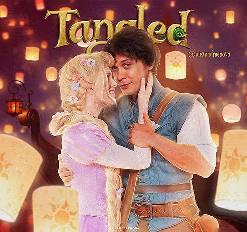 """You were my new dream."" ""And you were mine.""  #bellarke #beliza #tangled pic.twitter.com/d93nAJJUs0"