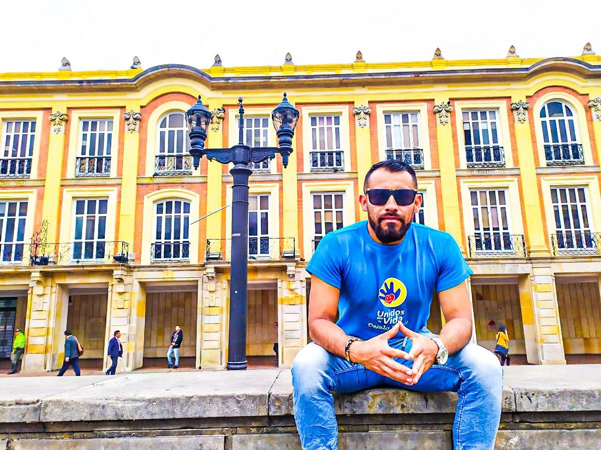 Cuando algo malo te suceda, tienes tres opciones: Dejar que te marque. Dejar que te destruya. Dejar que te fortalezca  #Colombia #Bogota #insta #photo #city #ciudad #life #lifestyle  #Istagood #Men #polity #Photography #menstyle #YoSoyProvida #YoPlantoJuaSe #NoAlAborto