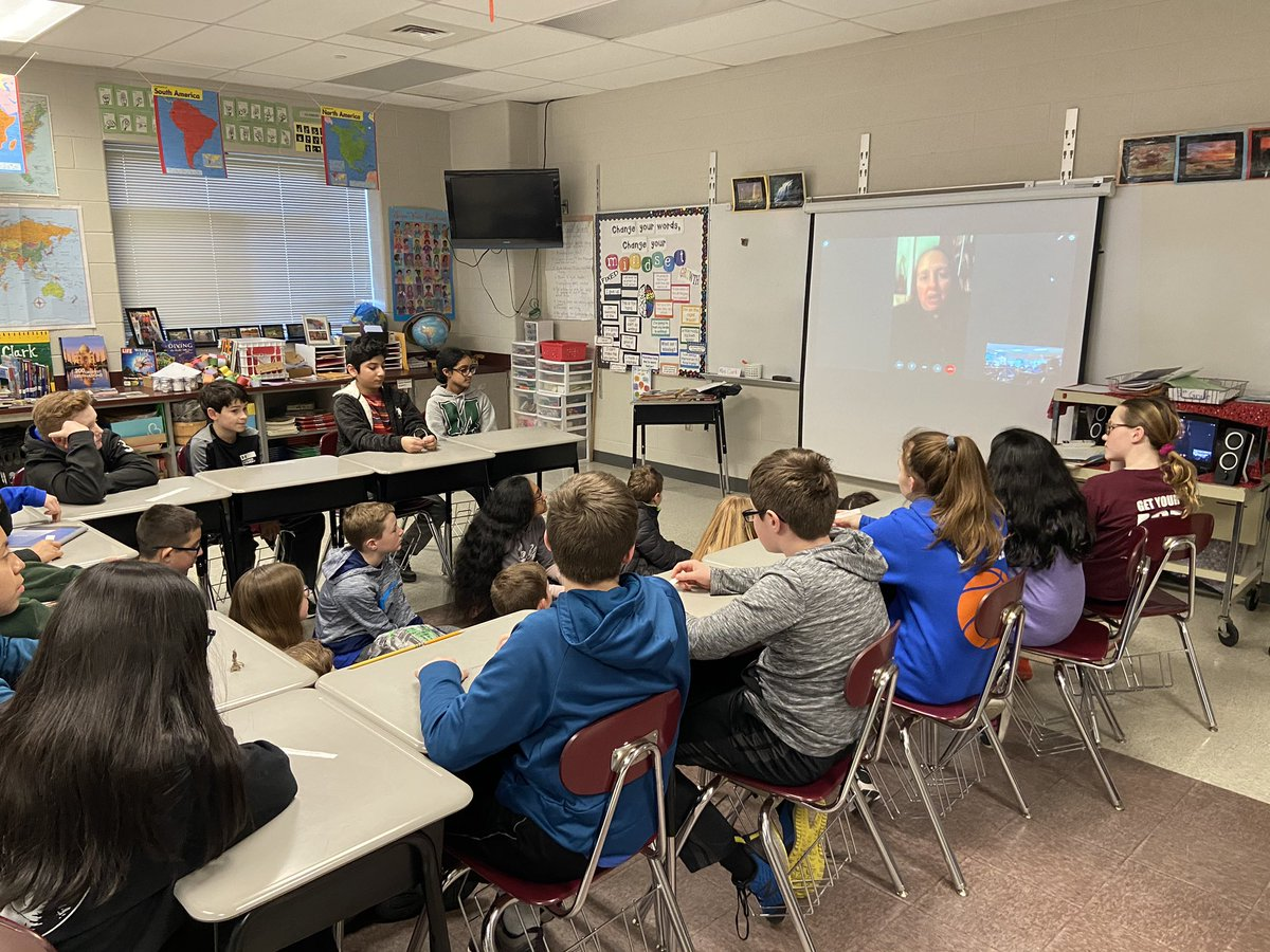Buenas tardes! 6th grade #Challenge students got to chat LIVE with an American teacher abroad about her experiences teaching in Madrid, Spain! #STEAM #Communication #Methacton @skyview_msd @llyons25