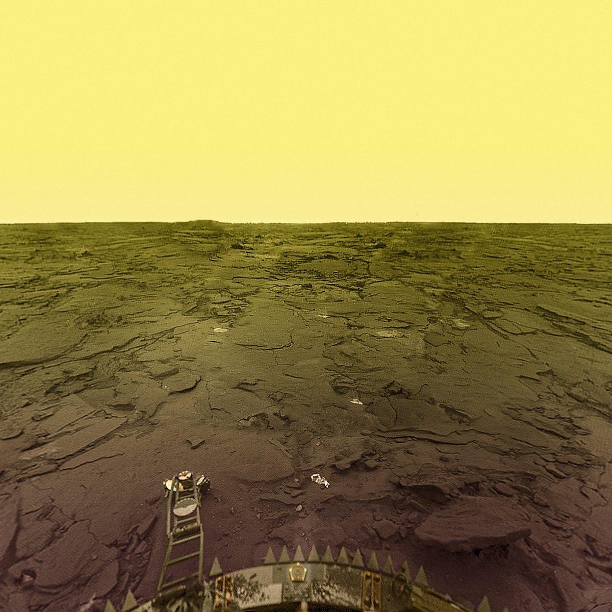 поверхность Венеры, съёмка советской посадочной миссии, обработка от Дона Митчела