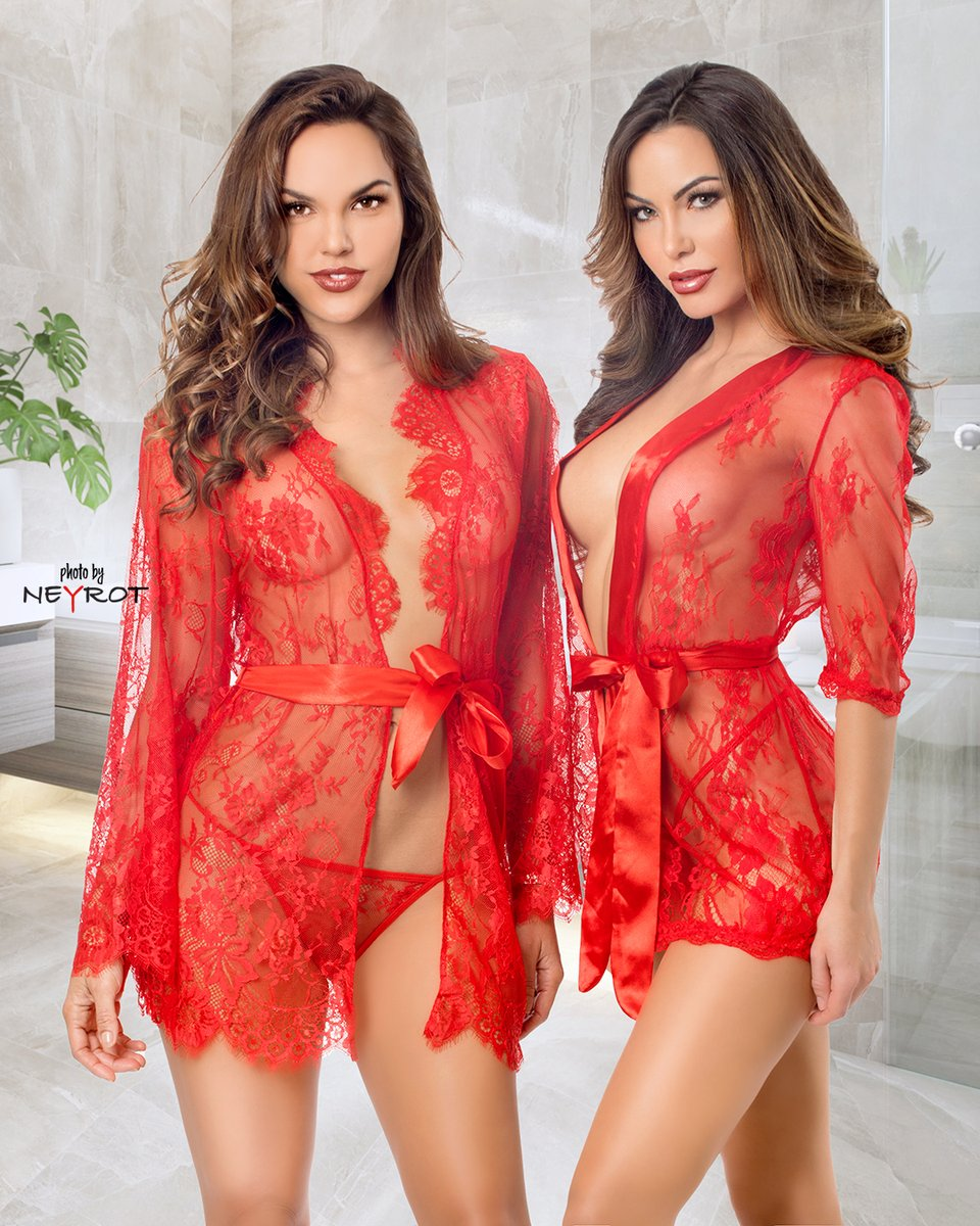 Girls looking spectacular in red. CJ Gibson and Elizabeth Smith modeling Spicy Lingerie outfits #miamiphotographer #lingerieshoot #catalogshoot #modeling #models #lingerie #photoofthedaypic.twitter.com/rvVrtmjtiS