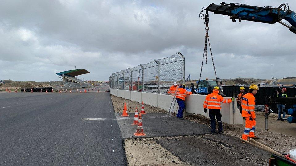 Toplayer of asphalt.. #DutchGP  #F1 #MaxVerstappen