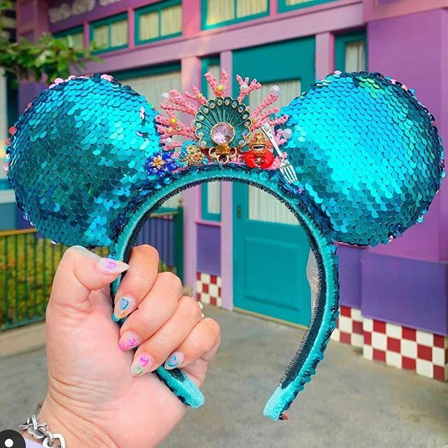 "Repost from @teamsparkle - ""Look at this stuff Isn't it neat? Wouldn't you think my collection's complete?  @betseyjohnson has done it again! These gorgeous @disney parks designer collection ears will be released @shopdisney @disneyland @waltdisne…  https:// ift.tt/2SZCbd3     <br>http://pic.twitter.com/L2oMet9g3N"