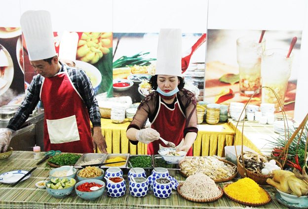 The food zone will always be ready to serve you at the F1 Vietnam Grand Prix 2020.  Photo credit: http://f1vietnamgp.com #formula1 #grandprix #f1grandprix #f1vietnamgrandprix #hanoi #hanoitravel #vietnam #vietnamtravel #vietnamesefood