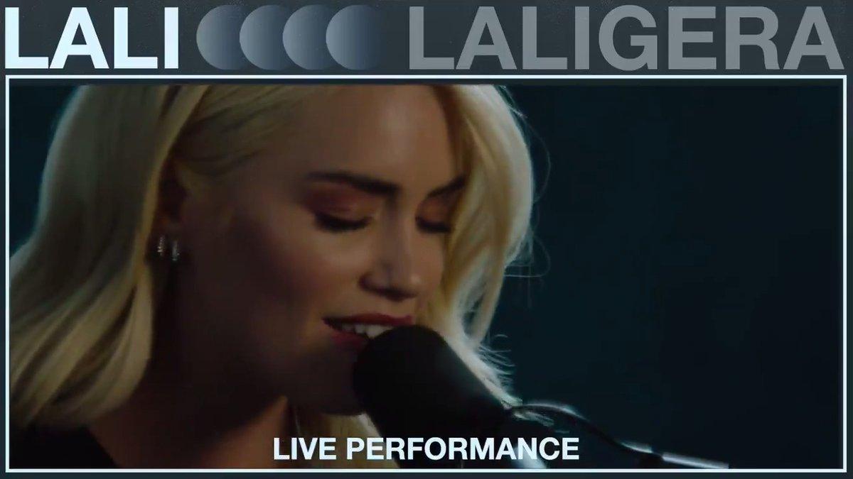 """La cantante y actriz, @lalioficial ya es una superestrella en su país de origen y está lista para conquistar el 🌎¡Mira sus live performances de """"Como Así"""" y """"LALIGERA"""" ahora!🎤🇦🇷 ⠀⠀⠀⠀⠀⠀⠀⠀⠀ ▶️"""