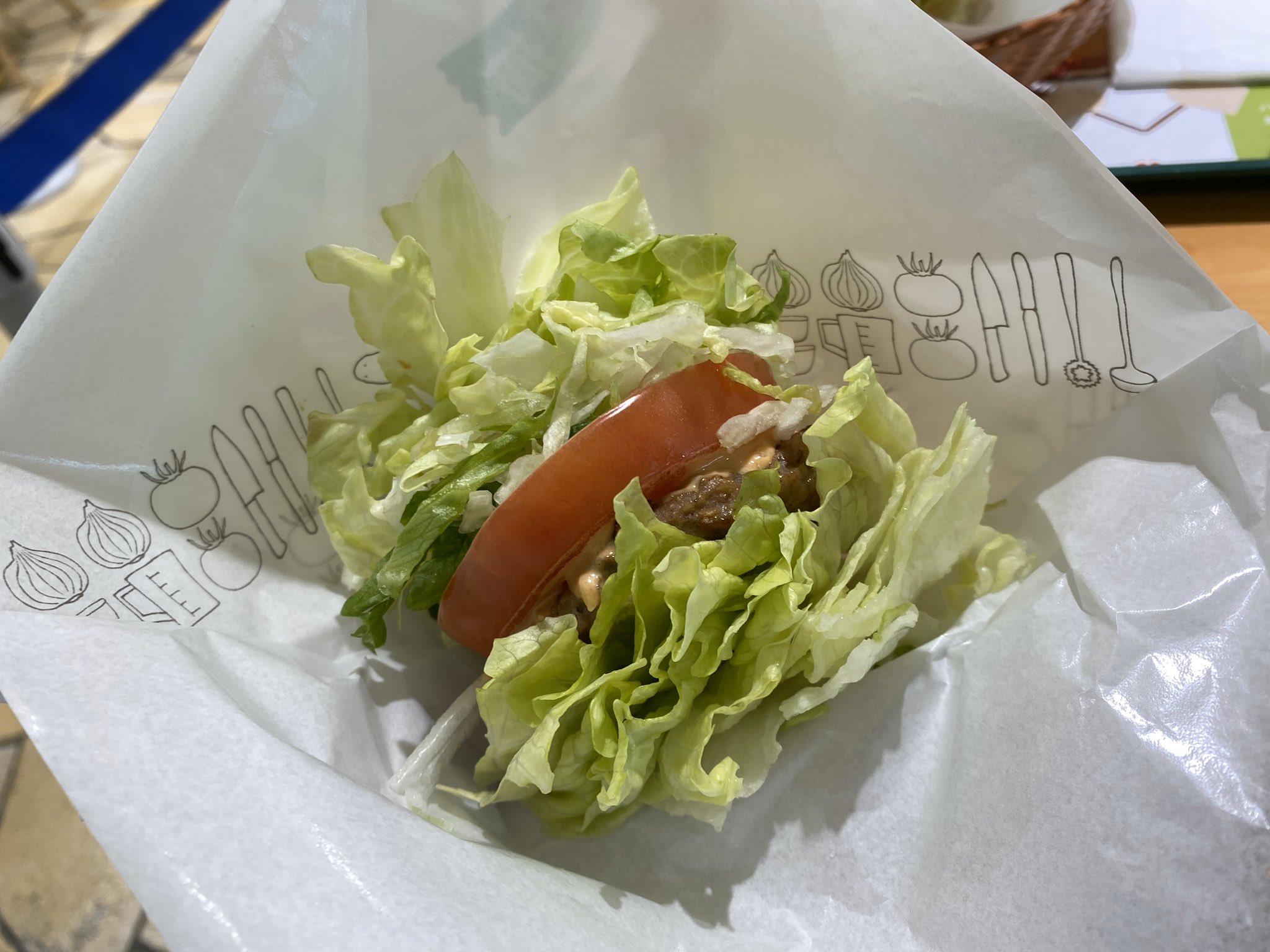 モスバーガーで低糖質の一環か、バーガーのパンズをレタスに変えられるってのがあったからやってみたら想像以上に草になった