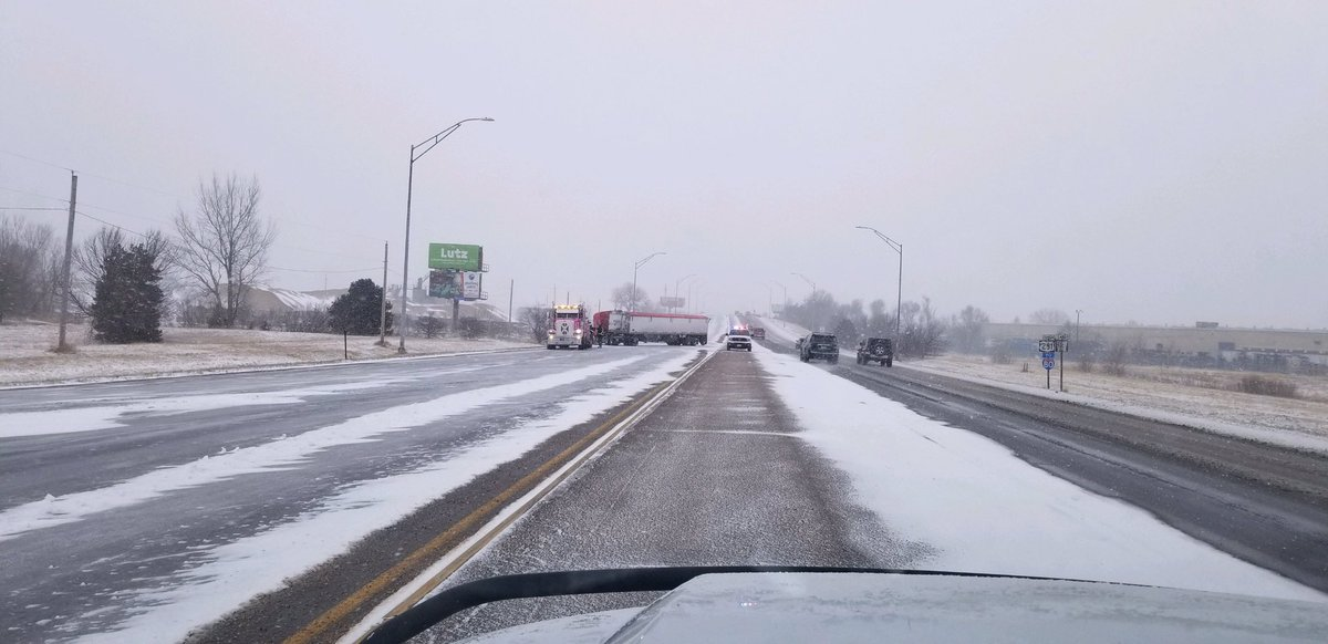 Troopers, deputies, officers, and EMTs are responding to several crashes this hour. This is Hwy 30/Hwy 281 in Grand Island @NSP_TroopC.Slow down and drive to the conditions. No cruise. Headlights on. Buckle up.