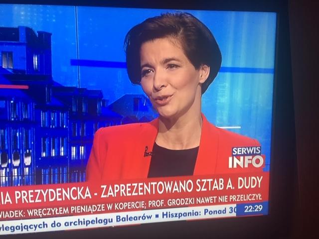SYMPATYCZNA, ŁADNA I KOMPETENTNApic.twitter.com/870bRQZiEy