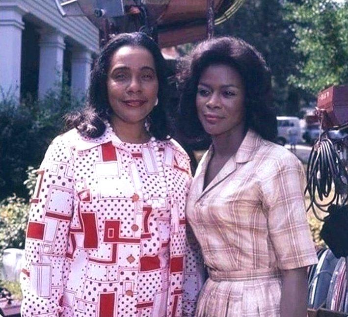 Legendary women. Sublime human beings.  #CicelyTyson #CorettaScottKing #KnowHerStory #BlackHistoryMonthpic.twitter.com/1igOY1TyoX