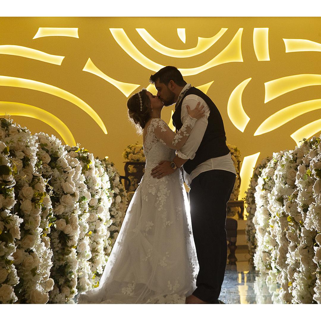 Nossa linda noiva Amanda!  Participe da história da Nova Noiva! Envie as suas fotos para: eusounovanoiva@novanoiva.com.br ⠀ #casamentos #casando #casar #weddingdress #noivas #vestidodenoiva #noivareal #realbride #wedding