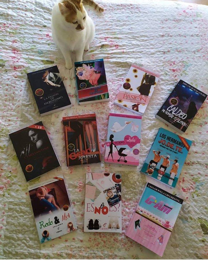 Que lindo cuando las lectoras te mandan este tipo de fotosEl es Eros, el gatito del amor y por eso recomienda estas novelas llena de mucho romance, comedia y amor #amazonespañol #amoleer #amoloslibros #amazonromance#cristoalcala https://www.instagram.com/p/B8t9pmKFk2_/?igshid=wbhg4atl0i99…pic.twitter.com/UylmeDK8BV