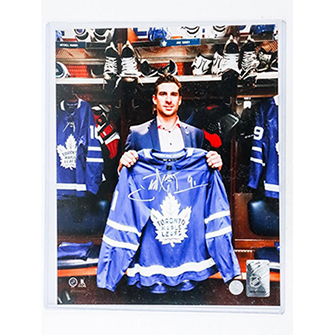 John Tavares 8x10 Photo, Signed. Dressing Room. https://auction.auctionnetwork.ca/John-Tavares-8x10-Photo-Signed-Dressing-Room_i36070161 … - Online Auction Wednesday February 19th, 2020 At 7:00 PM EST. #Coins #Banknotes #Bullion #Art #Jewellery #SportsMemorabilia #Collectibles & More! #OnlineAuction #CoinAuctions #JohnTavares #Tavarespic.twitter.com/u8T2avCL7s