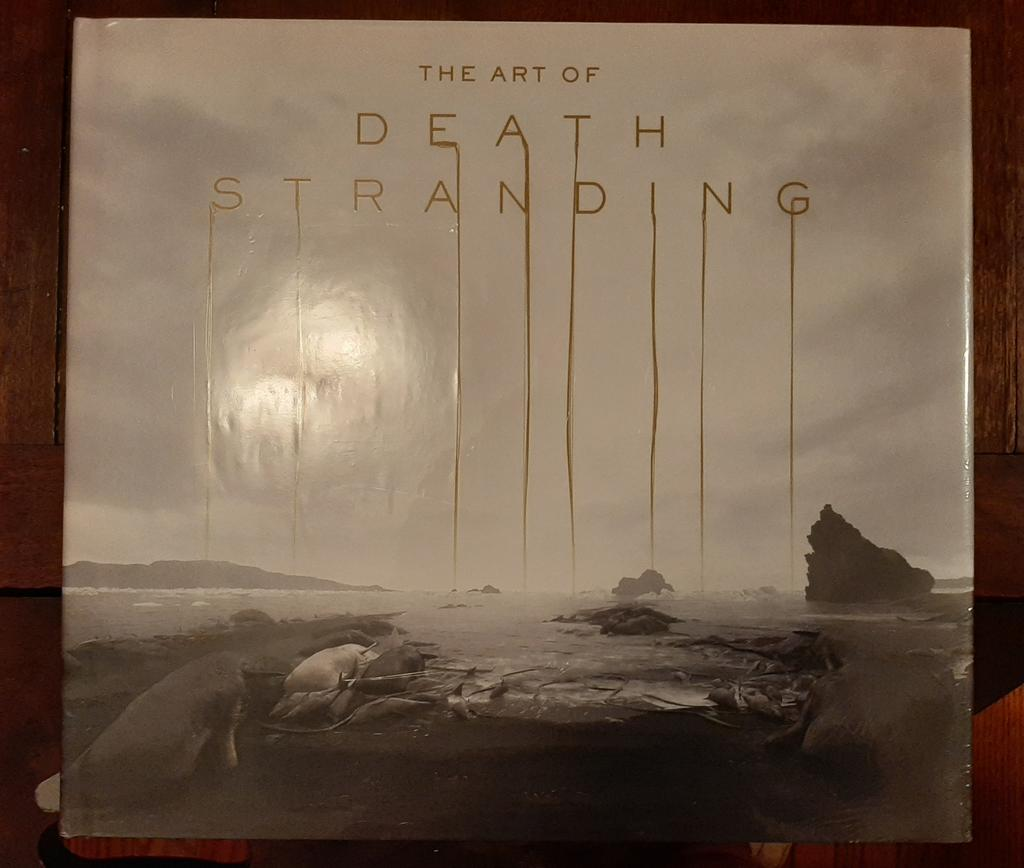 The Art of #DeathStranding arrived today! It's so beautiful! The gold pages are such a nice touch.pic.twitter.com/euLoElmQRP