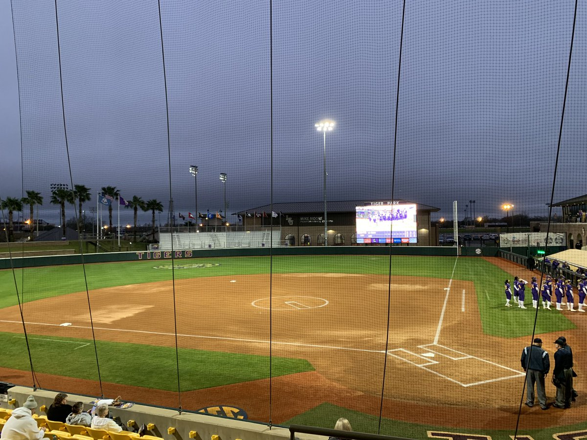 it's a cold and raining wednesday for some #LSU softball