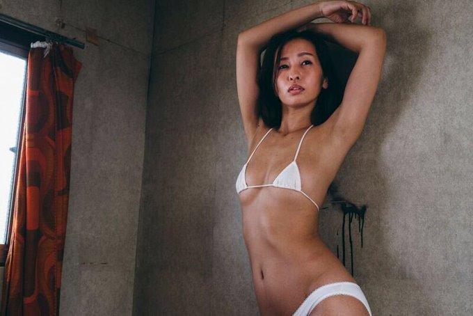 グラビアアイドルの自撮りエロ画像20
