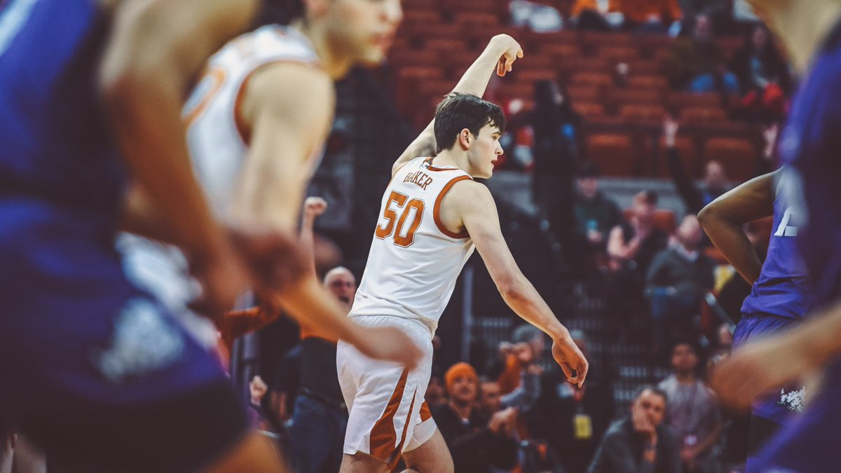 .@thrillbaker with all the threes 👌👌👌 UT 26 - 23 TCU | #AllForTexas