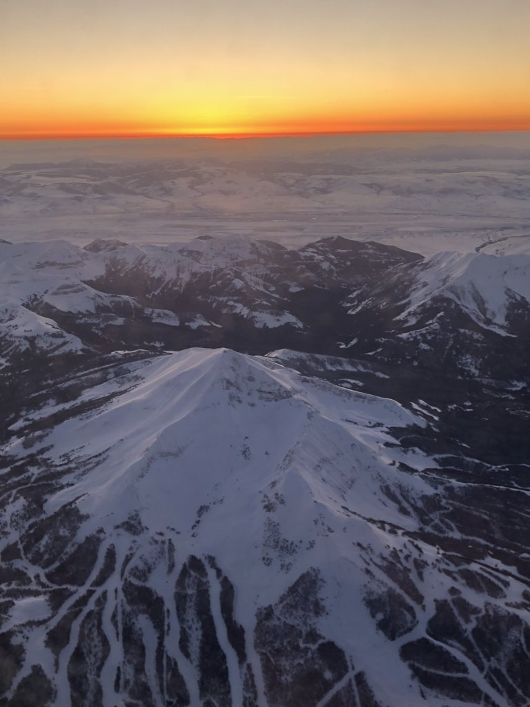 Only a handful of people know the feeling of landing in Montana after a week away. Pic for proof of the glory. #Montana #nofilterneeded pic.twitter.com/JV3w8Obnsu