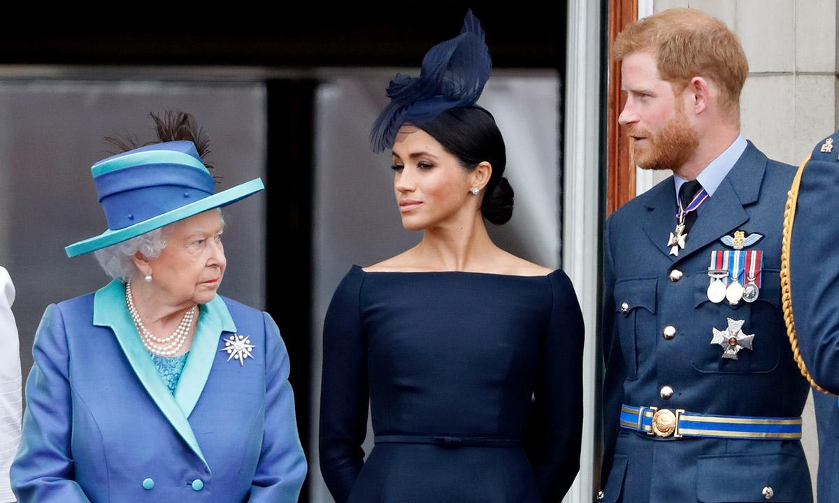 La reina Isabel II impuso el primer castigo a los duques de Sussex por abandonar la realeza británica.  #DuquesdeSussex #ReinaIsabelII #MeghanMarkle #MeghanAndHarry   http://mundopoder.com/la-reina-isabel-ii-impuso-el-primer-castigo-a-los-duques-de-sussex-por-abandonar-la-realeza-britanica/…pic.twitter.com/zneSKRK85D