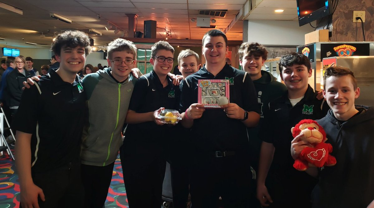 Boys Bowling Results from the Sectional Tournament today at Crossgate Lanes  Sectional Champions (team) and Tournament Medalist (high individual score - Damian Sauer).  Information provided by @JASauer