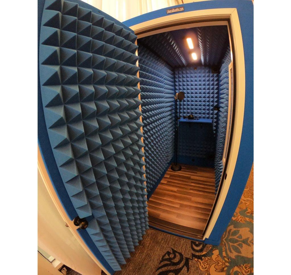 Neon Blue 4'x6' Tier 1 LA Vocal Booth    #vocalbooth #recordingbooth #recording #studiolife #recordingstudio #recordingsession #studiotime #studiosession #vocalist #singer #recordingartist #musicproducer #studiodesign #musicians #radio #recordingvocals #voiceoverpic.twitter.com/nojEm8HI0U