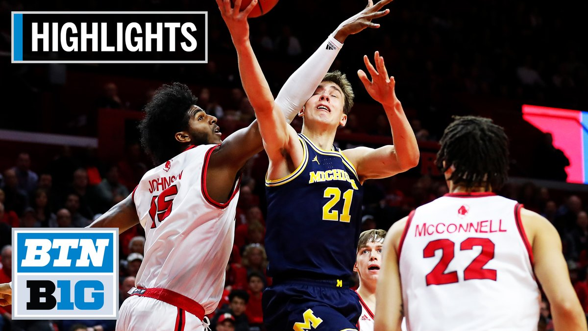 No Isaiah Livers, no problem for @umichbball.   The Wolverines hand Rutgers their first loss at the RAC.  Highlights: