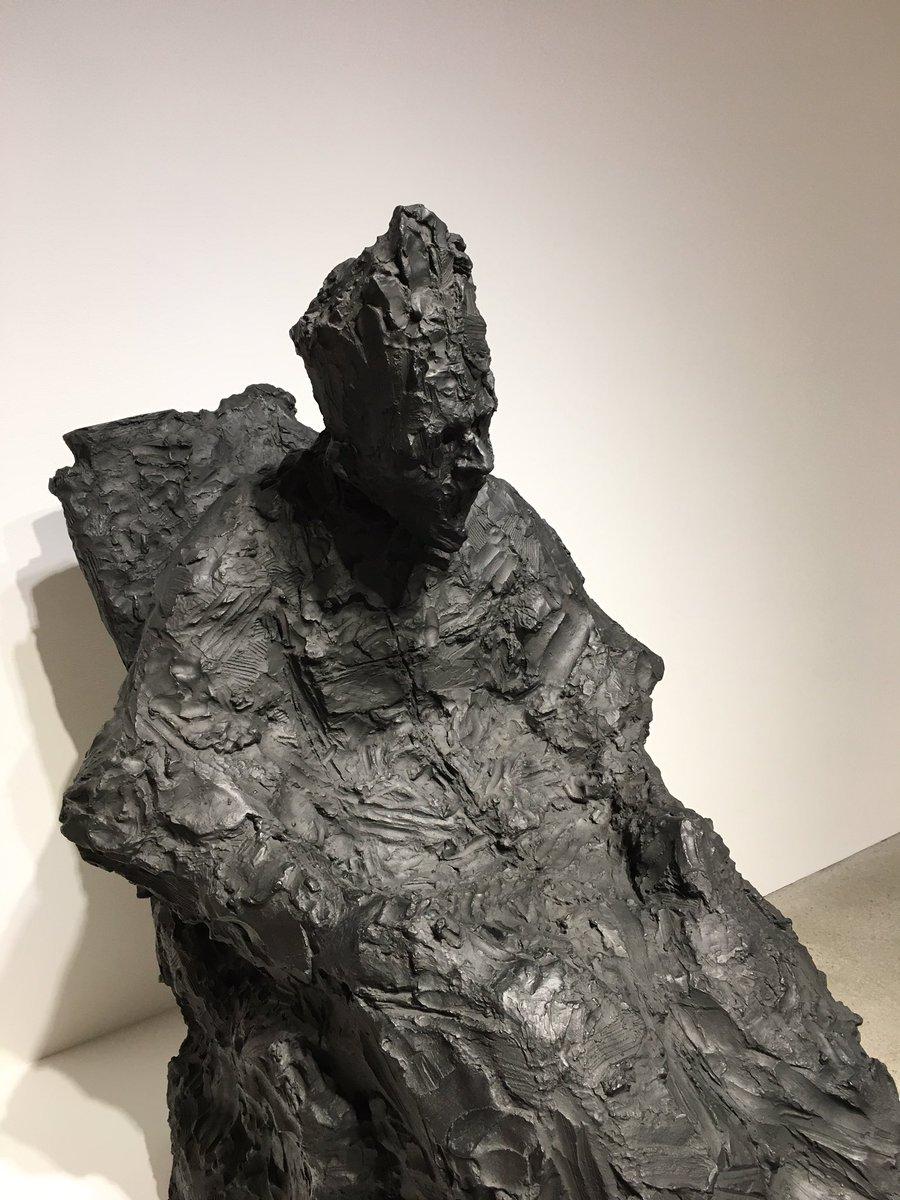 井田幸昌さんの個展「King of limbs」を見ました。  彫刻もありました。 強い''生''を感じます。 #Sculpture