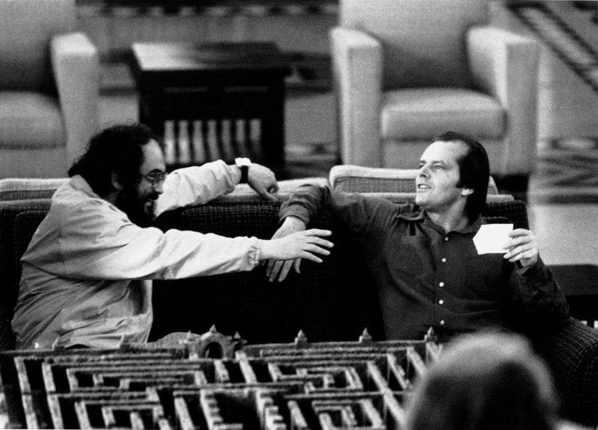 #StanleyKubrick with #JackNicholson on set of #TheShining . @StanleyKubrick @KubrickMeetups @stanleykubrick5 @bluths @tu_jestem @jack_nicholsun @TheShiningTeam @The_Shining_237pic.twitter.com/DrDzWIUVAm