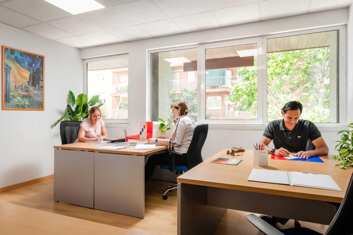 Tenemos la oficina que necesitas: grande, pequeña... todas completamente equipadas y con luz natural.  Facilitamos la vida de las empresas: http://vivendibc.com  #OficinasATuGusto #VivendiBusinessCenter #CentroDeNegocios #Emprendedores #StartUp #OficinasBarcelonapic.twitter.com/XoGAp7VtcD