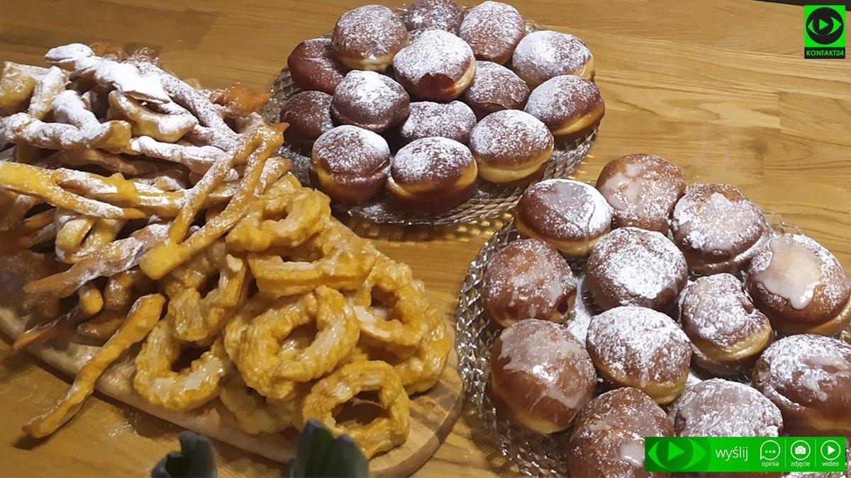 Dziś tłusty czwartek! Czekamy na Wasze zdjęcia pączków, faworków, oponek i innych słodkości. Wysyłajcie je na @Kontakt__24 🍩 kontakt24.tvn24.pl/paczki-faworki…