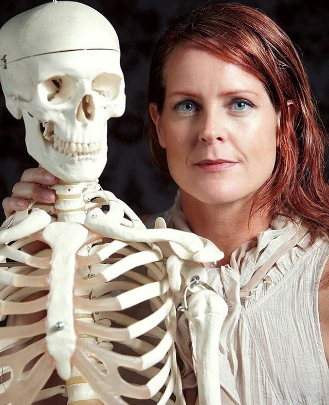Have you ever wondered how your body works during yoga class? Our Artful Anatomy for Yogis workshop on February 29th is one you won't forget! Professor Allison Gillies will teach you to visualize anatomy as an artist. Best of all you'll break down the an… https://ift.tt/328ThJXpic.twitter.com/S3qxuIMPye