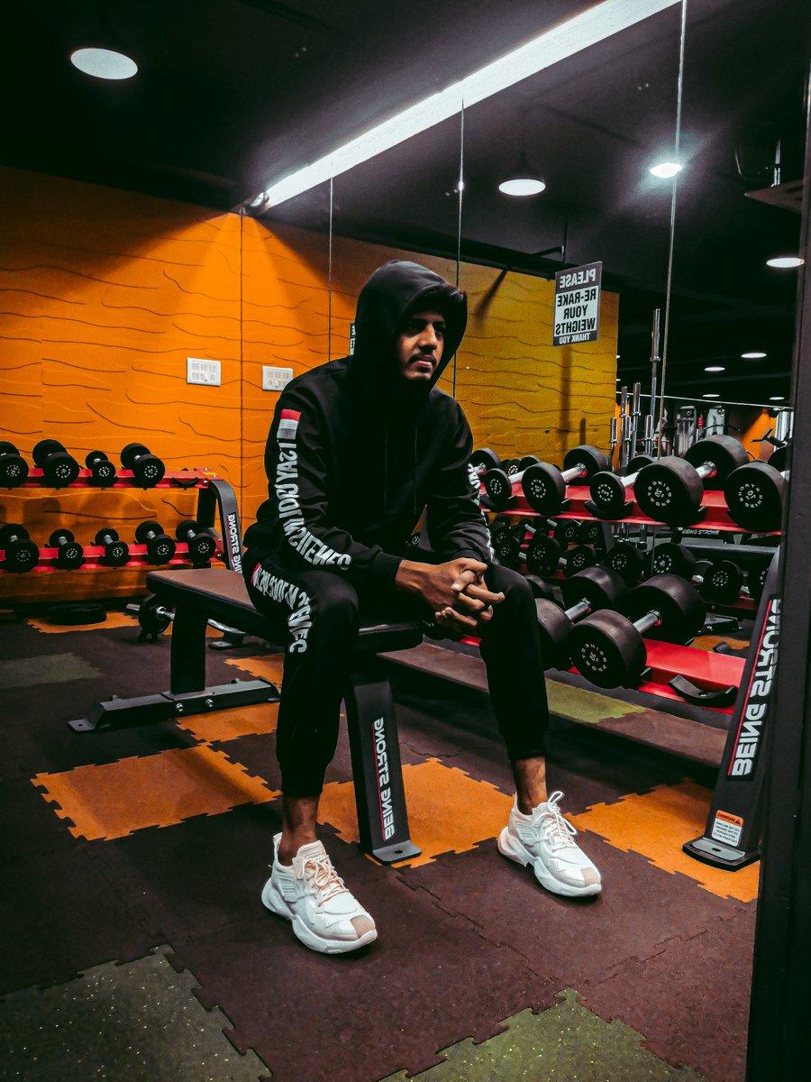 #Work_hard #play_hard #sanket_bodana #gymlife pic.twitter.com/LICNOiKepU