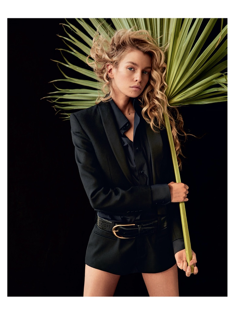 Stella Maxwell Models Sophisticated Styles for Marie Claire Italy #StellaMaxwell https://fgr.life/PhRG57pic.twitter.com/mHRwkp6KV6