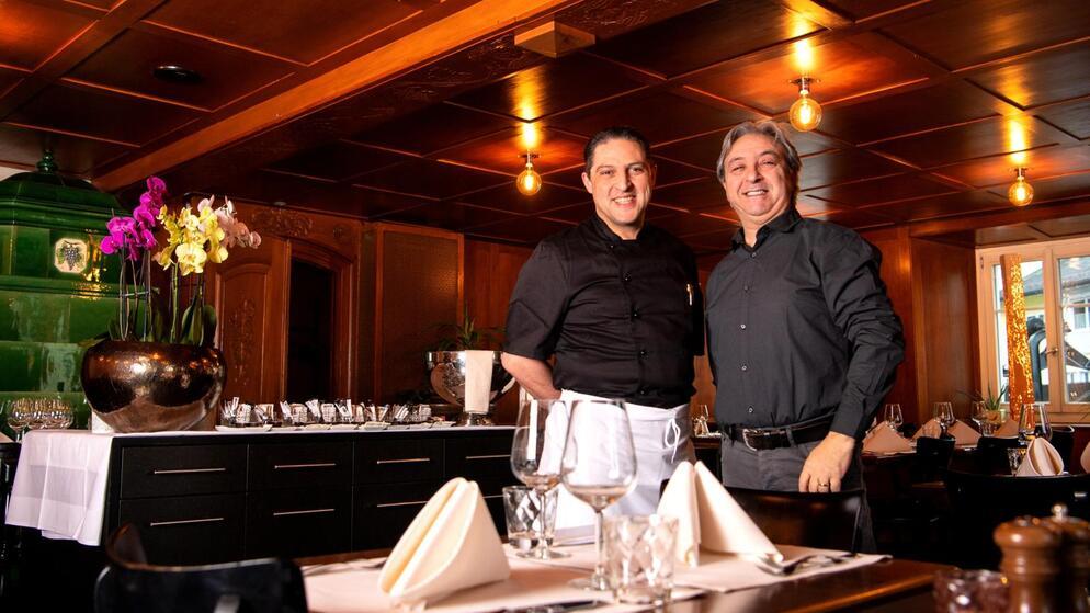 Mediterrane Küche samt #Fondue Stübli: Zwei Italiener wollen dem «Ochsen» in #Wetzikon neues #Leben einhauchen. https://zueriost.ch/news/2020-02-20/ein-neuer-anlauf-im-wetziker-ochsen…pic.twitter.com/v48cSMZUUm