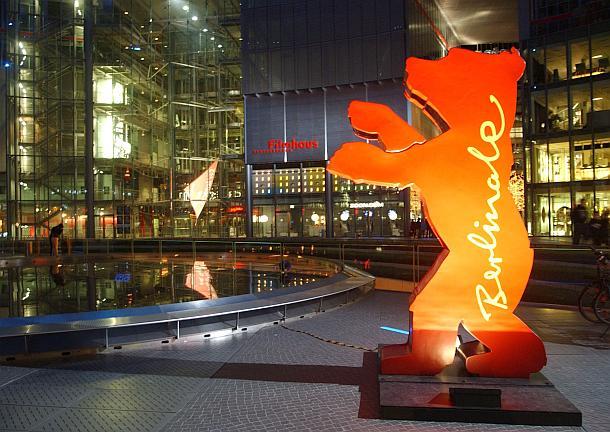 Die Berlinale gehören zu den Filmfestivals der A-Kategorie. Sie sind weltweit eines der bedeutendsten Ereignisse der Filmbranche  ##Presse_Online ##VisitBerlin #030 #Berlinale2020 #BerlinaleBerlin #DeutscherFilmpreis #EventNewsBerlin #Festival #Film #Film https://www.presse.online/2020/02/20/berlinale-internationale-filmfestspiele-berlin-beginnt/…pic.twitter.com/6nwTKOSo32