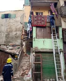 عاجل .. إنقاذ 4 أشخاص انهار عليهم منزل بمنطقة #السيده_زينبhttp://www.youm7.com/4639380