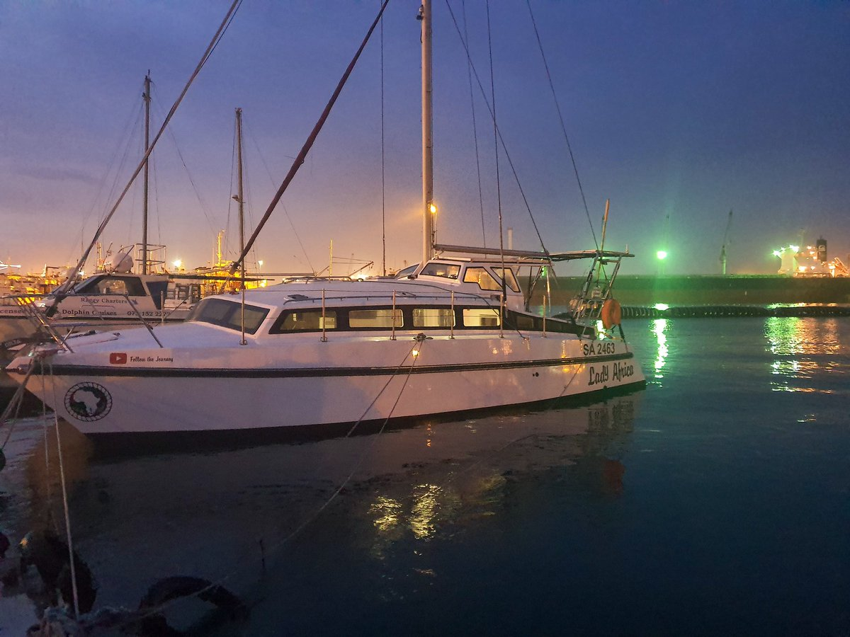 Last photo of her before sails were added. Now sail testing can commence! #sailing #sail #saillife #sailinglife #sailingyacht #sailboat #sailingladyafrica #sailor #yacht #yachts #yachtlife #yachting #catamaran #catamarans #deancatamaran #boat #boats #boatlife #adventurepic.twitter.com/Wkg1cRu9b2