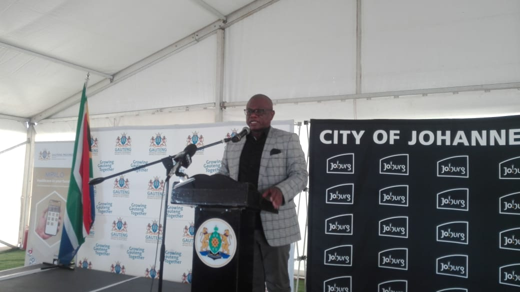 @PRODUKT_IVY : City of Johannesburg Mayor Geoffrey Makhubo delivers a keynote speech at the opening of the clinic #EbonyClinicOpeningpic.twitter.com/3bsRa7SrMb