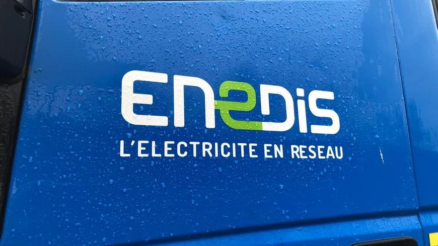 Je dénonce l'irresponsable coupure d'électricité pratiquée par certains manifestants à Poitiers.   30.000 personnes affectées, comment ne pas penser à ceux dont la vie dépend immédiatement de l'alimentation en électricité !