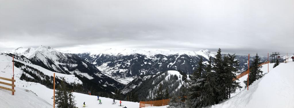 Frisch verschneit pic.twitter.com/IoV9UAQM5K