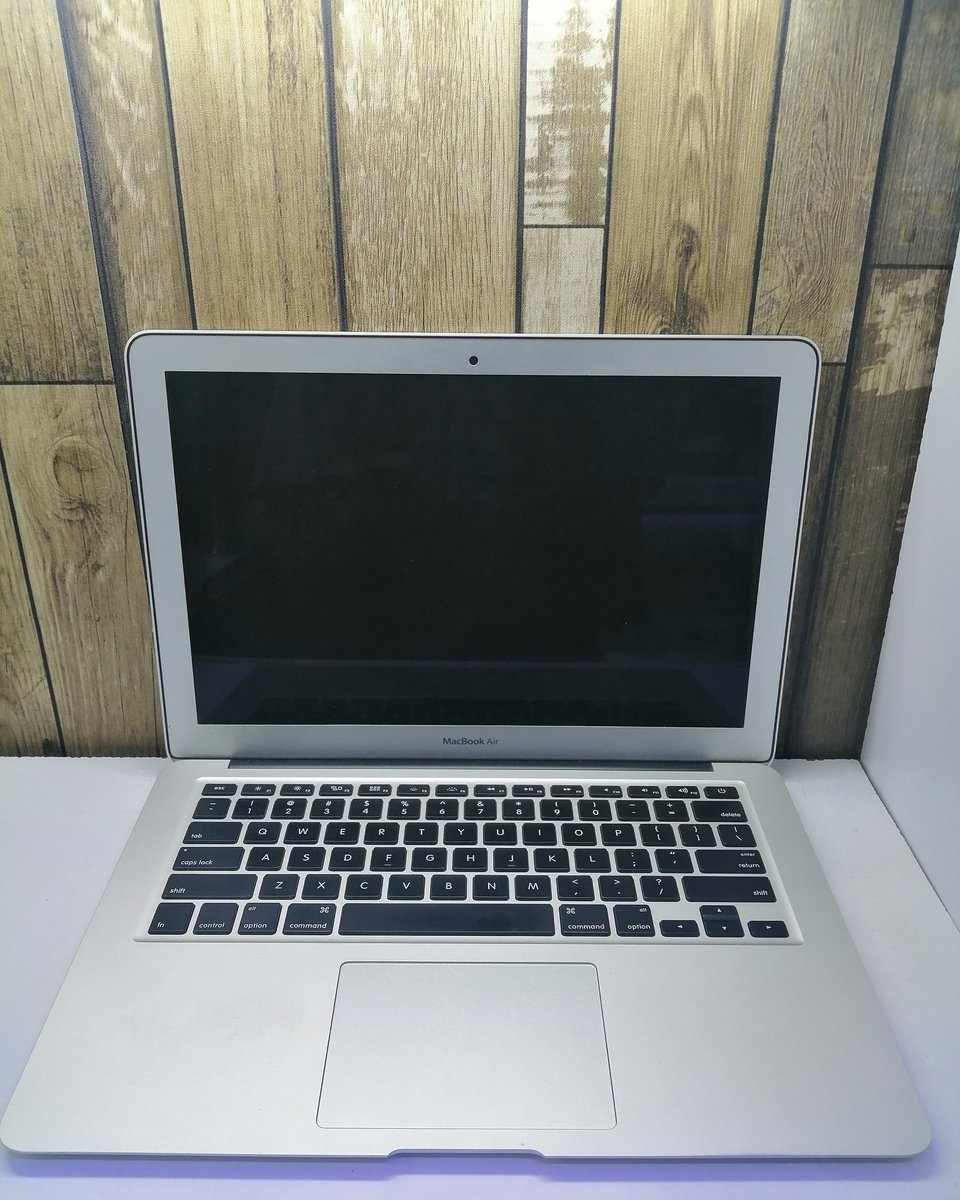 #ThursdayMotivation #Githurai Macbook air 2015 Intel core i5 8gb ram 128 solid state disk 13inches  Ksh 68000 For orders call 0718416936 #OnlineShop #OnlineMarketing #OnlineBusiness #officelaptopspic.twitter.com/qgqOiQksxY