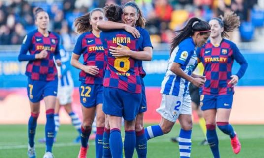 Players in Spain's top women's division have signed a collective agreement on pay and conditions that guarantees them a minimum salary.Details: https://bbc.in/2Ppd9n1 #bbcfootball