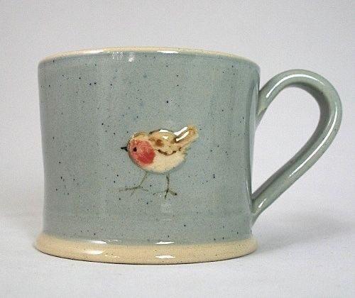 鳥が描かれたマグカップ。シンプルでかわいい。