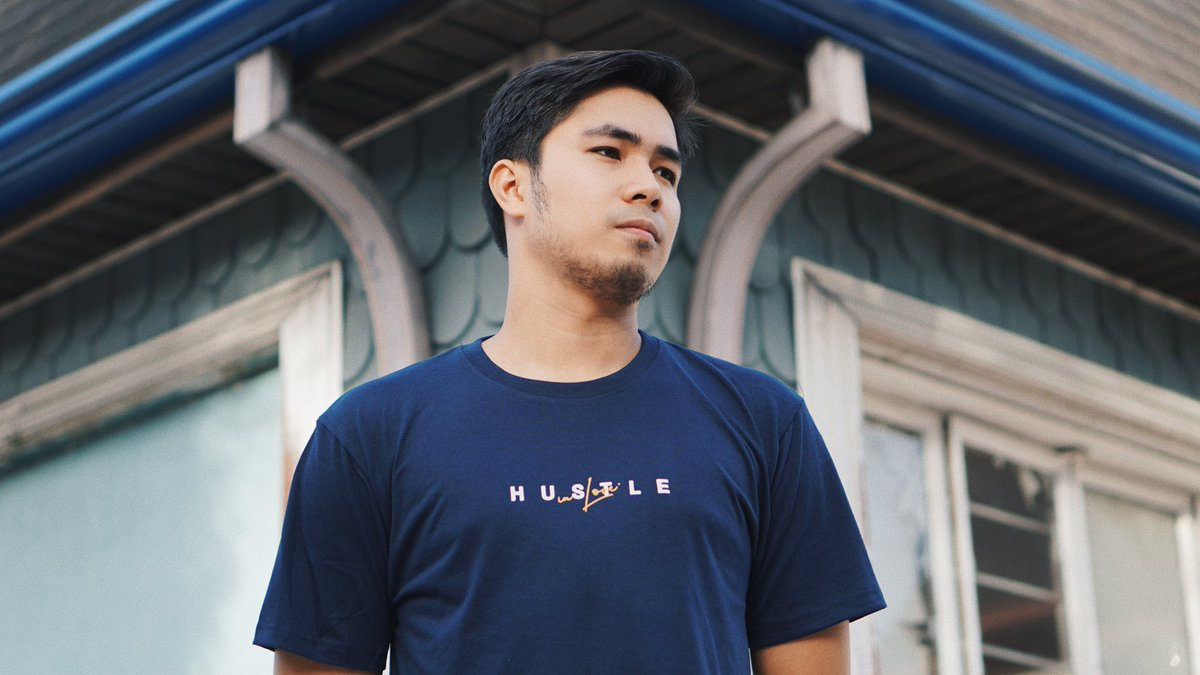 Doc @giasison & @simmersupply officially launches ORION with its first street tee collection 💪🏻 Cop it now for only P499 per shirt. We accept Cash on Deliveries, Bank Deposits & GCash on simmer-supply.com. Also available at shopee.com/simmersupply💸