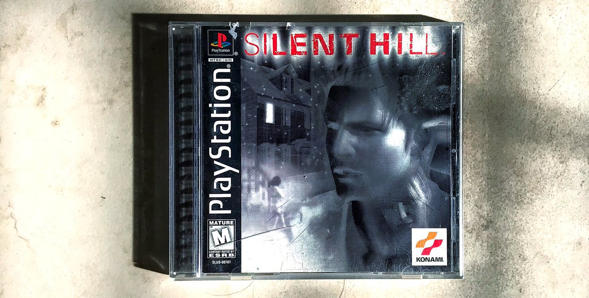 #silenthill , a lighthearted and uplifting tale of a man's weekend trip with his adoptive daughter. They both have a merry time despite running into a bit of foggy weather. Play with your kids. #SurvivalHorror #RetroGaming #gaming #gamecollectionpic.twitter.com/65hiMUoRcY